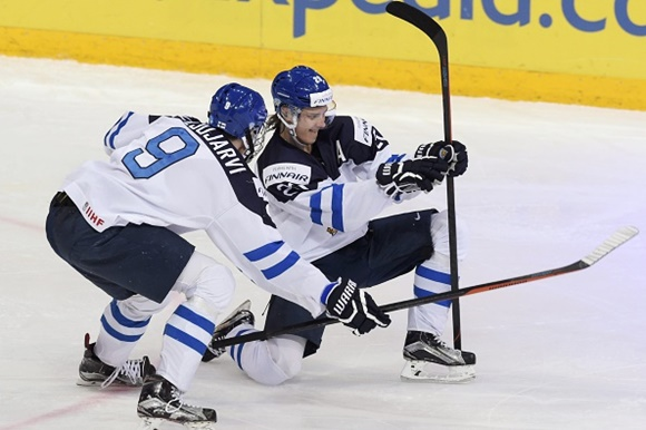 Jesse Puljujarvi and Sebastian Aho - Team Finland - 2016 IIHF World Junior Championship